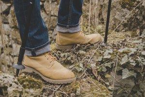 Почему носить обувь без носков опасно