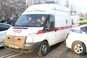 В Киеве изнасиловали девушку по дороге в больницу