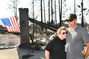 Лесной пожар в Калифорнии стал крупнейшим за 84 года, число жертв возросло до 28
