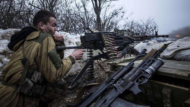 На приморском направлении боевики бьют из гранатометов и крупнокалиберных пулеметов – штаб АТО