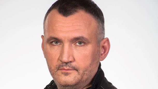 Прокуратура Украины показала фото золотой лопаты бывшего сотрудника