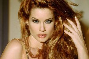 Звезда Playboy обвинила в сексуальных домогательствах известного режиссера