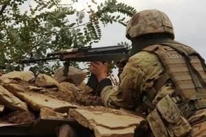 Боевики на Донбассе усилили обстрелы: у ВСУ есть погибшие и раненые