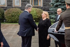 Порошенко – президенту Мальты: Благодарен за продление санкций против России и поддержку Украины