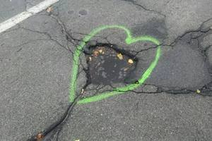 In Kiev, the pit road was decorated with hearts
