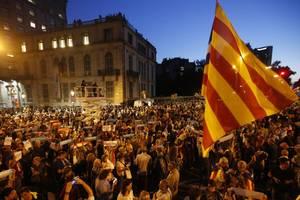 Протесты в Каталонии вспыхнули с новой силой: на улицы вышли сотни тысяч людей