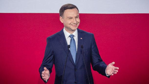 Порошенко срочно созывает консультационный комитет президентов Польши иУкраины
