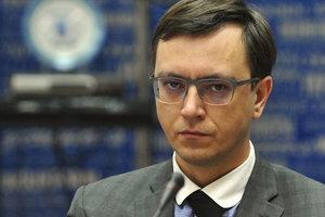 НАПК вынесло Омеляну предписание за кадровые нарушения