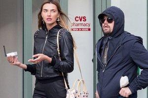 Леонардо Ди Каприо прогуливался с украинской моделью по Нью-Йорку