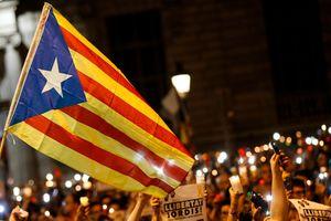 Король Испании назвал неприемлемой попытку отделения Каталонии