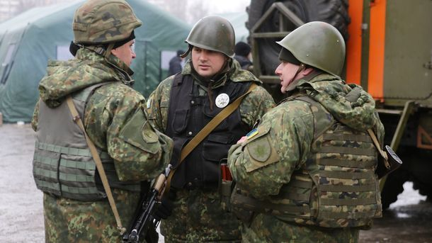 Сполуночи один украинский военный получил ранения вДонбассе,— штаб АТО