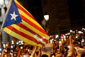 Правительство Испании пошло жесткие меры против Каталонии
