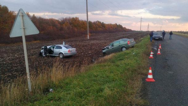 Очередное ДТП наХарьковщине: авто выехало навстречную полосу, пострадали 5 человек