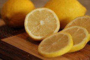 Названы невероятные свойства лимонного сока для здоровья и красоты тела