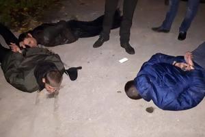 В Запорожье шесть полицейских обезвредили 12 похитителей