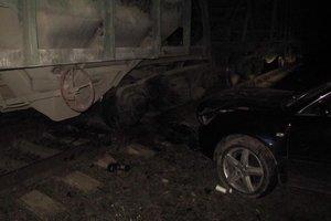 В Броварах авто столкнулось с грузовым поездом