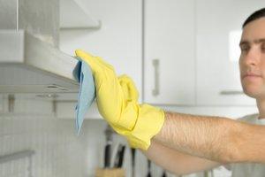 Лайфхак: как почистить вытяжку на кухне