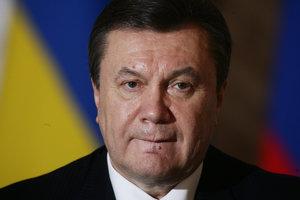 Новому адвокату Януковича дали чуть больше месяца на ознакомление с делом