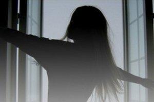 Во Львове девочка выбросилась из окна высотки