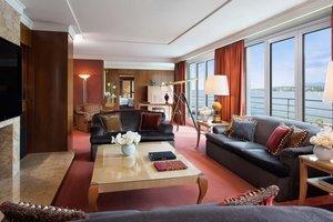 Опубликованы фото самого роскошного на планете номера в отеле