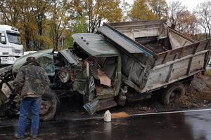 Под Киевом столкнулись грузовик и фура с аммиаком