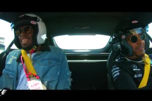 Прокатил с ветерком: Хэмилтон устроил Болту экстремальный заезд на спорткаре за 150 тысяч долларов