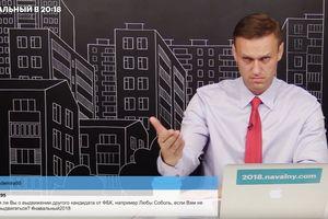 """Навальный пообещал не критиковать Собчак, чтобы """"не доставлять удовольствия"""" Кремлю"""