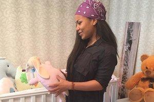 Гайтана впервые показала дочь