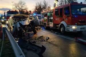 Жуткое ДТП в Польше: погибли два украинца, еще пятеро в реанимации – СМИ