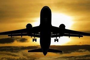 В Канаде совершил экстренную посадку большой пассажирский самолет