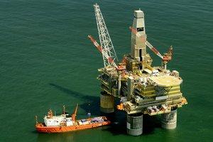 Россия из-за санкций приостановила добычу нефти в Черном море