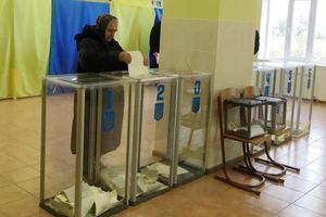 В Украине проходят первые выборы объединенных территориальных общин