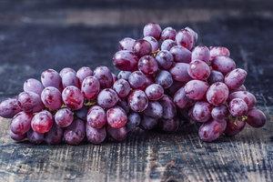 Виноград: польза и вред для здоровья