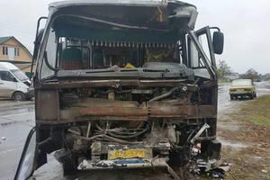 Масштабное ДТП под Киевом: столкнулись две маршрутки, много пострадавших