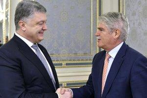 Встреча Порошенко и главы МИД Испании: Санкции против России должны сохранятся