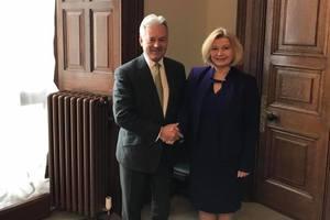 Геращенко в Великобритании подняла вопрос о безвизе для Украины
