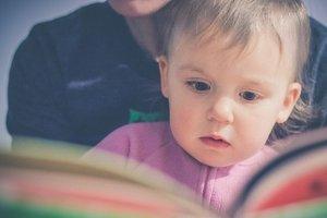 Как и когда учить малыша читать