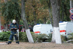 В Киеве упавшее дерево перекрыло проезжую часть