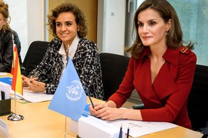 Королева Испании Летиция вышла в свет в комбинезоне за 430 евро