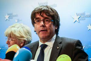 Экс-главу Каталонии Пучдемона вызвали в суд