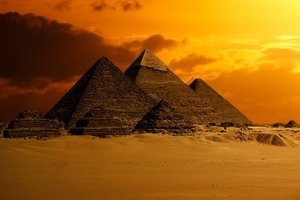 Возле пирамиды Хеопса найдено древнее послание