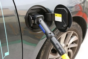 """Электромобили в Украине уже становятся выгоднее """"бензиновых"""" авто"""