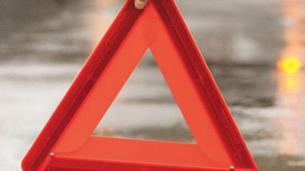 Под Одессой авто врезалось втолпу школьников, одна девочка погибла