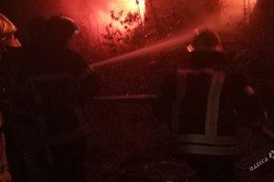 Крупный пожар охватил корпус санатория в Одессе