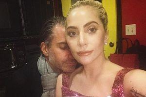 Леди Гага обручилась со своим агентом - СМИ