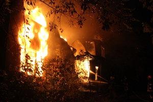 За сутки в огне погибли восемь украинцев: названы главные причины