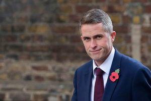 В Британии назначен министр обороны, выбор Мэй стал неожиданным