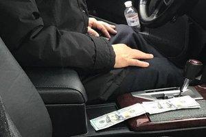 В Киеве на взятке попался чиновник из Госавиаслужбы