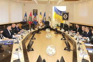 Украина готова открыть для Польши базу данных криминальных элементов - Аваков