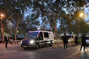 Испанский суд арестовал восемь членов правительства Каталонии